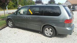 Honda mini van 7 pass for Sale in Kirtland, OH
