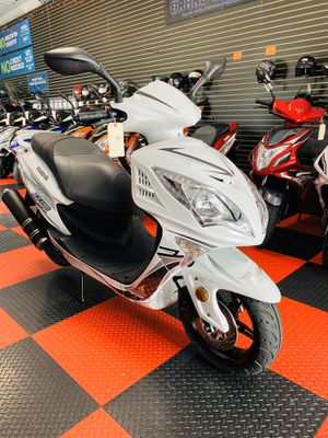 Brand new white Wolf EX150 Scooter. Only $1699 for Sale in Kissimmee, FL
