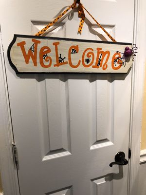 Halloween Welcome Sign for Sale in Suffolk, VA