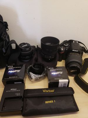 Nikon d3200 comes with extra lenses 50mm and 35mm for Sale in New York, NY
