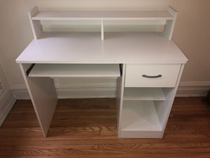 Wooden Desk for Sale in Chicago, IL