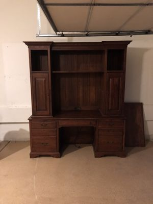 Antique desk for Sale in Las Vegas, NV