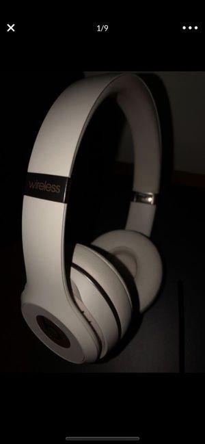 Beats Solo 3 WIRELESS for Sale in Pompano Beach, FL