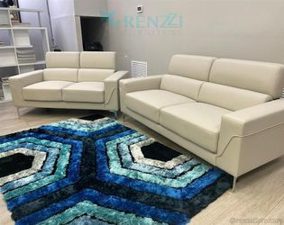 <!> White - Sofa set $1099 / {Financing Available} for Sale in Doral,  FL
