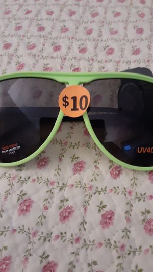 Pugs Sunglasses for Sale in Painesville, OH