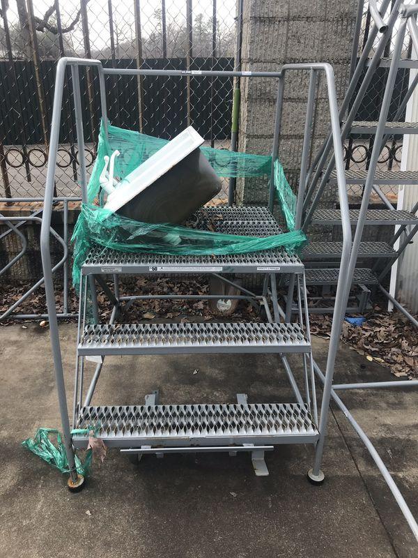Utility step ladder