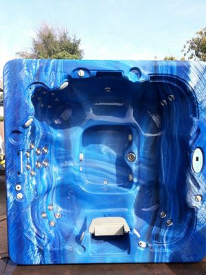 7 person @ open designed plastic spa for Sale in Los Angeles, CA