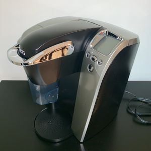 Keurig K70 Platinum Coffee Maker and Beverage Brewer for Sale in Miami, FL