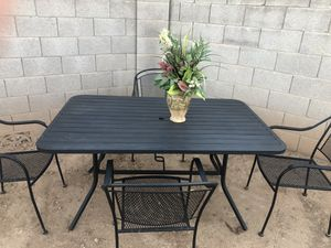 Metal Patio furniture for Sale in Phoenix, AZ