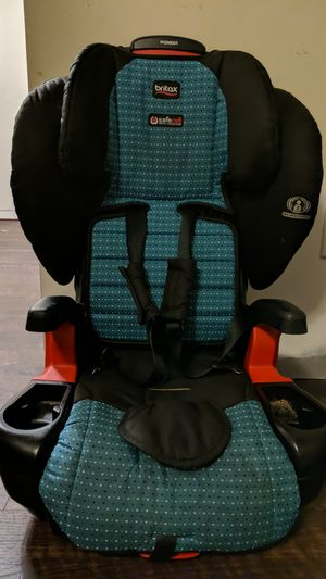 Britax Pioneer car seat / booster for Sale in Norfolk, VA