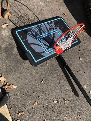 Basketball hoop for Sale in Brielle, NJ