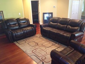 Real leather fully reclining three piece couch set for Sale in Tacoma, WA