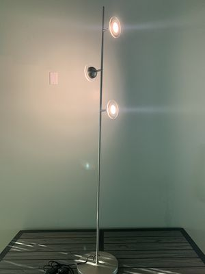 3-light LED Spotlight Floor Lamp for Sale in La Puente, CA