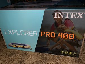 Intex Inflatable Explorer Pro 400 Four-Person Boat with Oars And Pump *OFFERS WELCOME* for Sale in Live Oak, TX