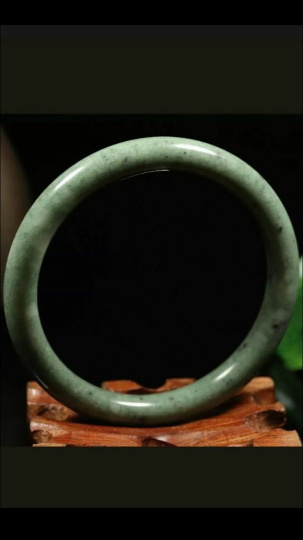 Shipping only!64mm 100% Natural Green Jade Bangle