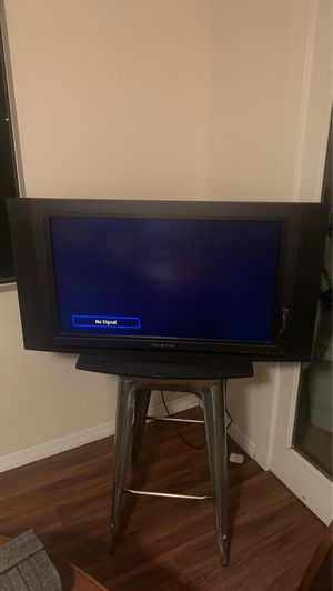 Olevia 32 inch tv with HDMI for Sale in San Diego, CA