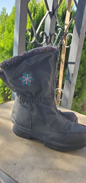 GIRLS SNOW /RAIN BOOTS KIDS ( SIZE 1 ) FAUX FUR LIGNING PRE-OWNED IN GOOD CONDITION for Sale in Lynwood, CA