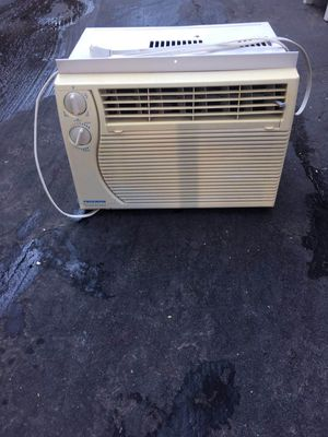 Very nice Fedders Air Conditioner for Sale in Boston, MA