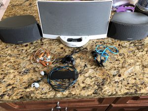 Bose speakers and headphones package. for Sale in Miami Gardens, FL