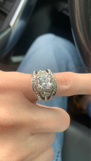 Engagement Ring and Double Wedding Band 3kt for Sale in Riverview, FL
