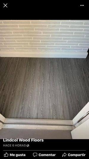 Laminate flooring spc pvc vinyl waterproof pisos laminados resistentes al agua for Sale in Medley, FL