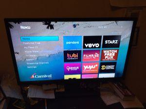 Insignia Tv 32 inch Flat Screen with Roku Box and Remote. for Sale in Marietta, GA