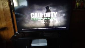 43 inch 4k snart tv xbox bundle or separate for Sale in Clinton, IA