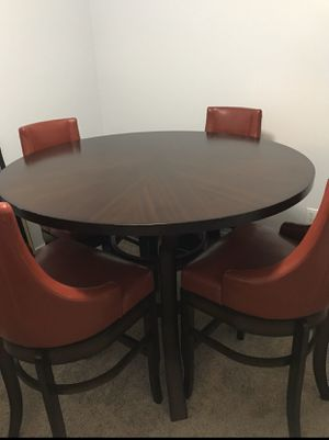 Circle Pub Kitchen Table with Red Leather Stools for Sale in Orlando, FL