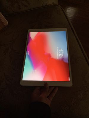 Apple iPad Air for Sale in Detroit, MI