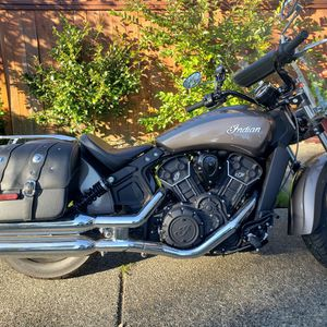 2018 INDIAN MOTORCYCLE. 1200 LOW MILES. CLEAN TITLE . SHOWROOM CONDITION. for Sale in Lynnwood, WA