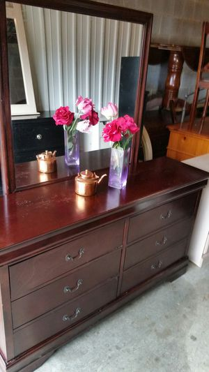 BEAUTIFUL SOLID WOOD LONG DRESSER WITH BIG MIRROR ALL DRAWERS SLIDING SMOOTHLY for Sale in Fairfax, VA