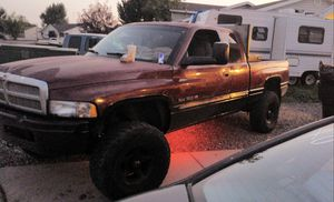 2001 dodge ram 1500 4inch lift 4x4 178xxx needs rotor and dash is cracked! $2,000 obo for Sale in Elk Ridge, UT