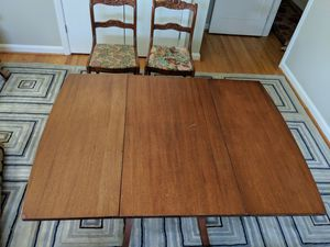 Antique drop leaf table for Sale in Silver Spring, MD
