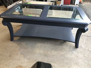 Coffee table for Sale in Franklin, MA