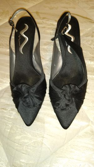 BRAND NEW BOOTS AND SMALL HEELS for Sale in Gibsonton, FL
