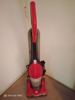 Cerritos.. Dirt devil carpet vacuum machine for Sale in Norwalk, CA