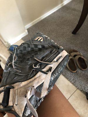 Mizuno 11.5 kids baseball/softball glove for Sale in Laveen Village, AZ