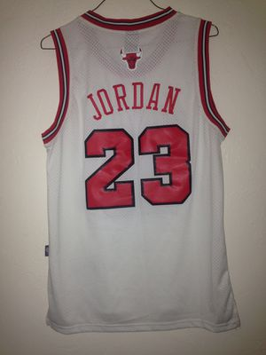 Chicago Bulls Michael Jordan Jersey Nike Brand Size Small + 2 Inches Equals Large New for Sale in Reedley, CA