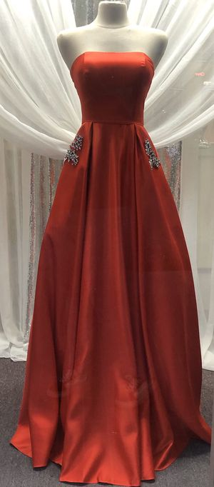 Red satin A- line formal dress or prom dress for Sale in Clovis, CA