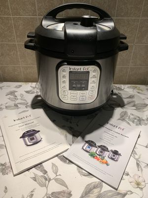 Instant Pot Cooker 5L(5.29FL. OZ) capacity for Sale in South River, NJ