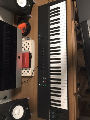 Native Instruments A61 Keyboard MIDI for Sale in Houston, TX