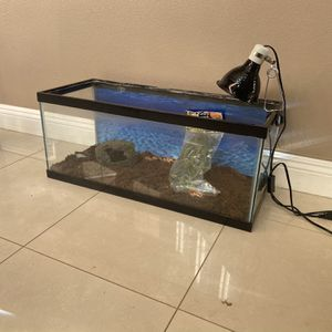 LARGE 20 Gallon Long Fish Tank Reptile Terrarium Aquarium With Eco Bark, Caves, Decor, Heat Lamp, New Bulb for Sale in Yorba Linda, CA