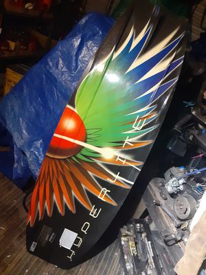 Hyperlite vicious139 wakeboard for Sale in Orange, TX