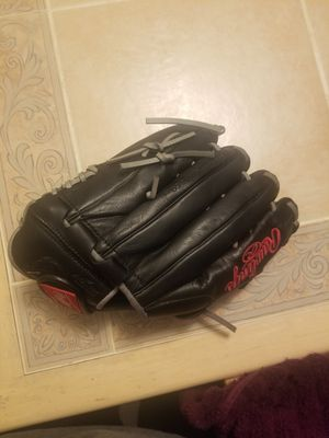 """13""""elite series practically new never been on field just oiled up for Sale in Denver, CO"""