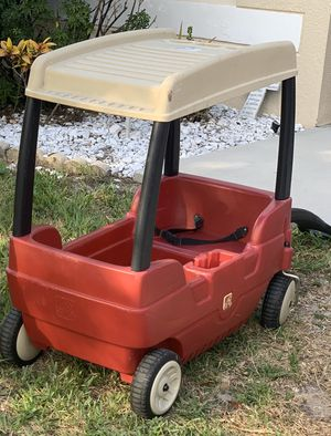 Step 2 wagon with storage on the top and storage on the seat for Sale in Orlando, FL