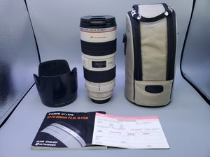 Canon ef 70-200mm f2.8L IS for Sale in Glendale Heights, IL