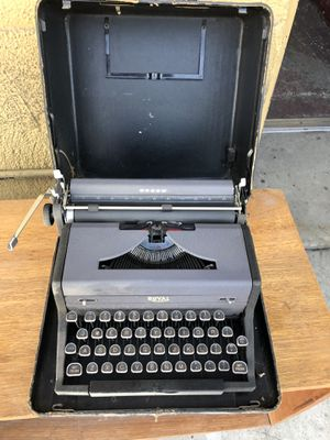 Antique Royal Arrow Manual Typewriter for Sale in Monterey Park, CA