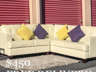 Off-White Leather Sectional Couch w/ Pillows for Sale in Las Vegas,  NV