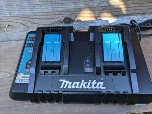 new Makita dual 18-volt charger for Sale in San Jose, CA