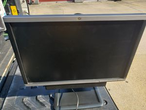 HP computer monitor with mini sound bar for Sale in Woodbridge, VA